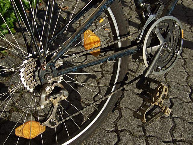 Fahrrad (Tretlager, Kettenräder) zerlegen, aber wie ? Bike